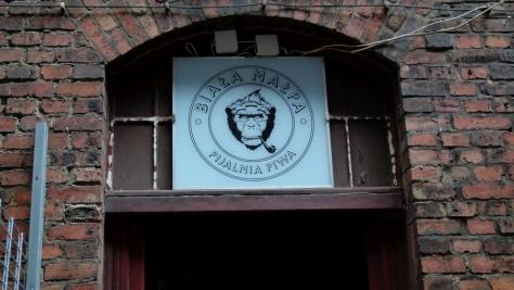 biala-malpa-katowice_piwnakompania-wordpress-7